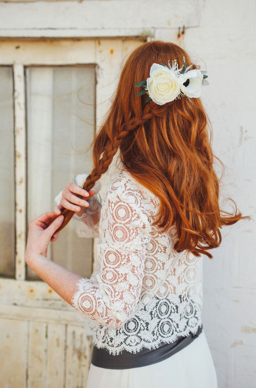 peigne-mariage-cheveux-fleurs-blanches-nature-mademoiselle-cecile-colette-bloom-03