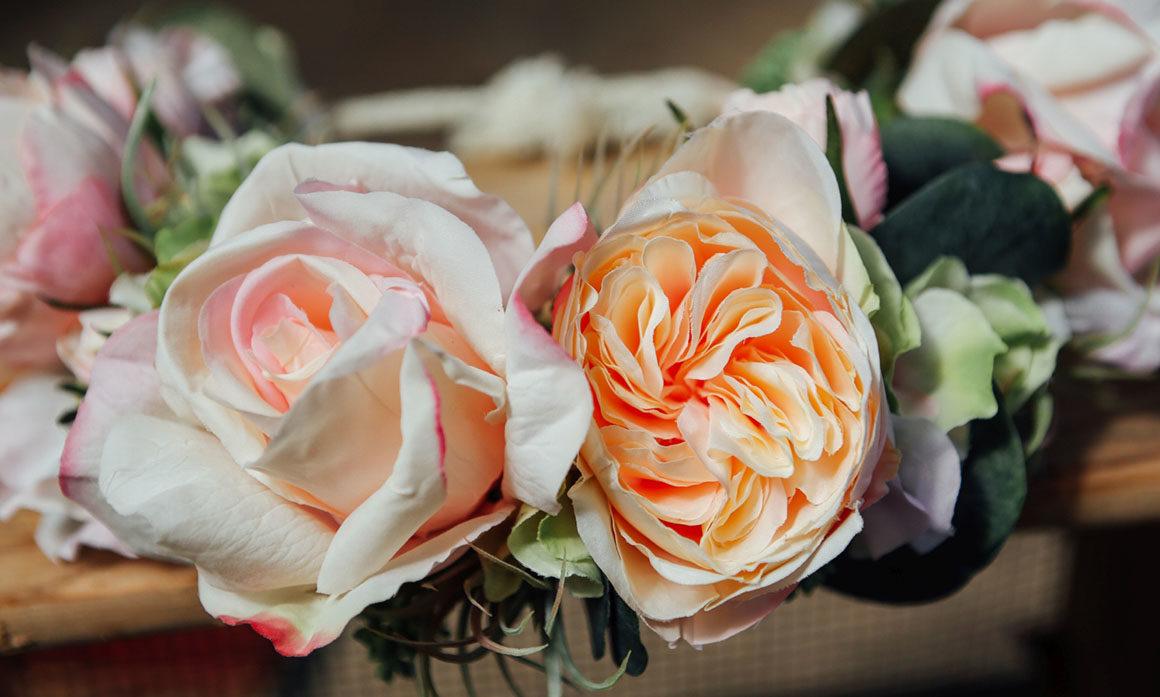 rose ancienne nude ton poudré pêche rose poudre peche mariage coiffure romantisme rétro