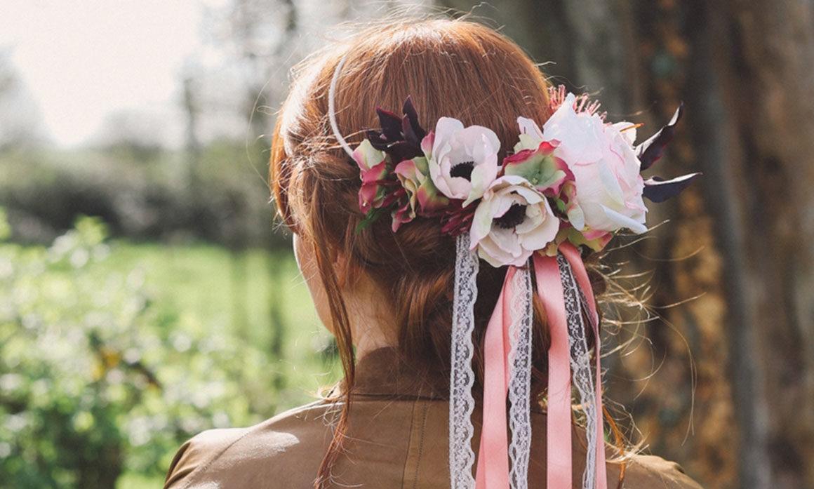 ruban dentelle coiffure mariage nordiste cheveux fleur rose poudré années folles