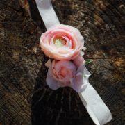 bandeau romantique accessoire petite mariage fleurs rose blanc renoncule Colette Bloom bandeau Mademoiselle Maeva