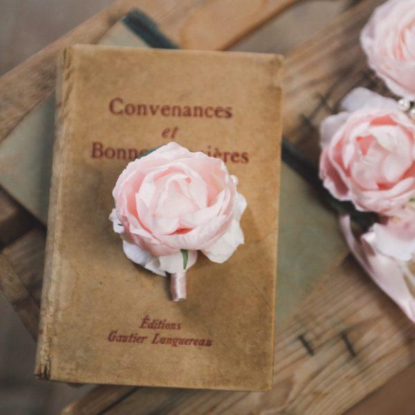 Boutonnière marié pivoine rose tendre fleur romantique chic