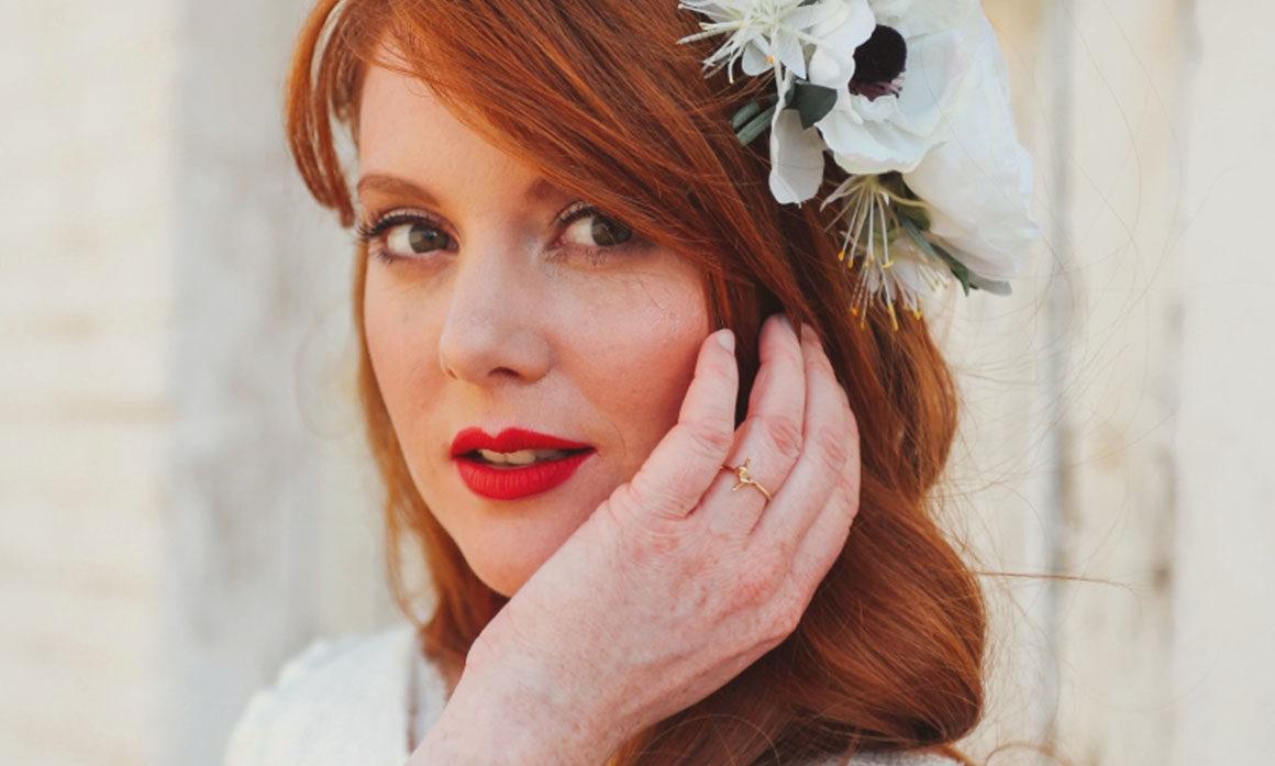 coiffure mariage fleur blanche simple raffiné headband