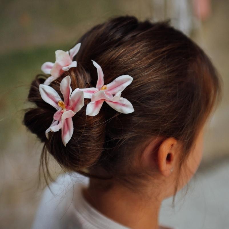 pince et pic à chignon barrette cheveux mariage enfant colette bloom