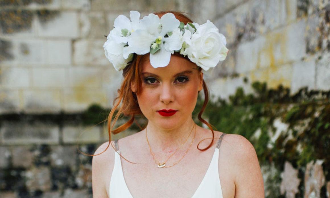 accessoire chevelure mariage fleur sobre blanc orchidée église tradition