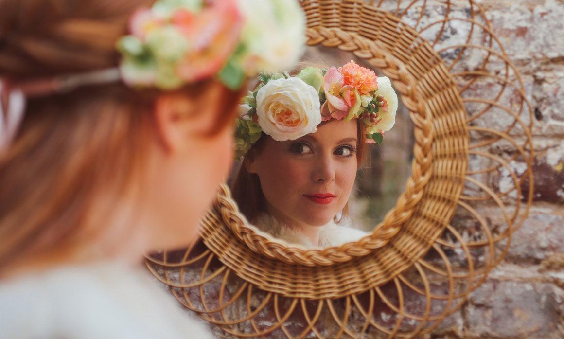 miroir rotin déco mariage fleur champêtre courone fleurie orange pêche