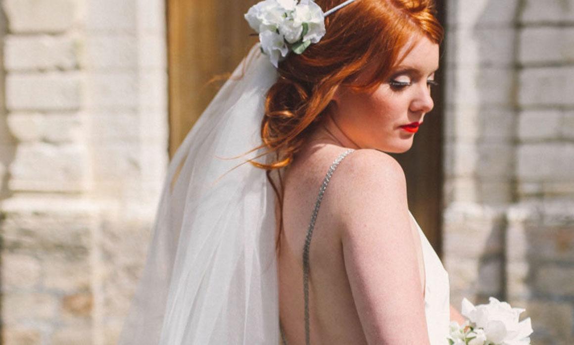 harmoniser son mariage tenue de cortège fleur blanche thème chic fillette