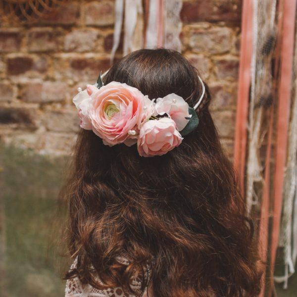 headband cheveux enfant fleur rose mariage romantique chic princesse renoncule
