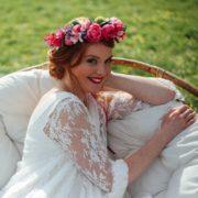 accessoire de tête en fleurs artificielle mariage violet rose coiffure