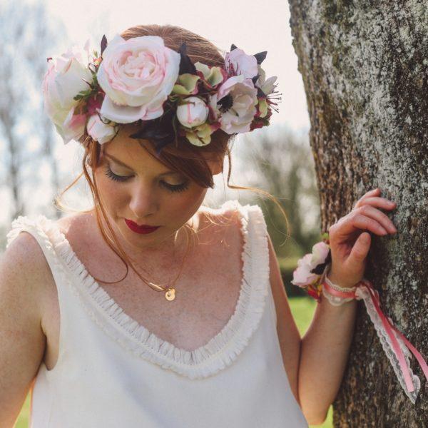 Courone couronne de fleurs rose anemone mariage thème retro bucolique Mademoiselle Emmanuelle