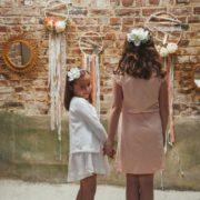accessoire tête fillette communion petites fleurs blanches fête romantique hortensia