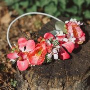 création florale mariage cheveux couleur framboise