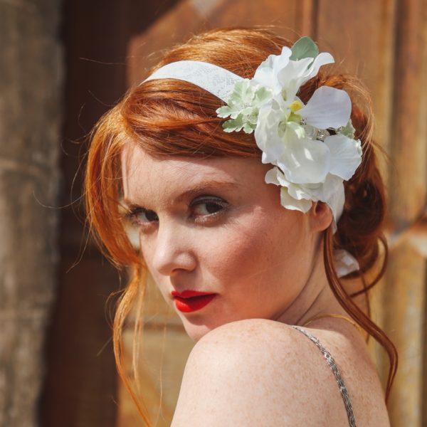 accessoire de tête mariée bandeau headband ruban blanc orchidée fleurs mariage romantique élégant chic wedding flower