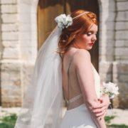 Bracelet fleuri ruban mariage blanc classe demoiselle d'honneur délicat