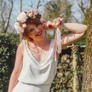 Bracelet fleur rose poudré témoin cortège cérémonie mariage anémone romantique