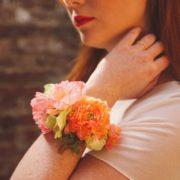 bijou floral mariage cadeau témoin mademoiselle Margot pêche corail orange saumon