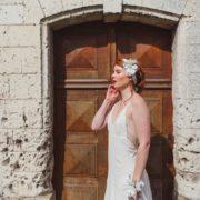 bandeau classe accessoire petite mariage haut de gamme fleurs blanche Colette Bloom bandeau Mademoiselle aurelia