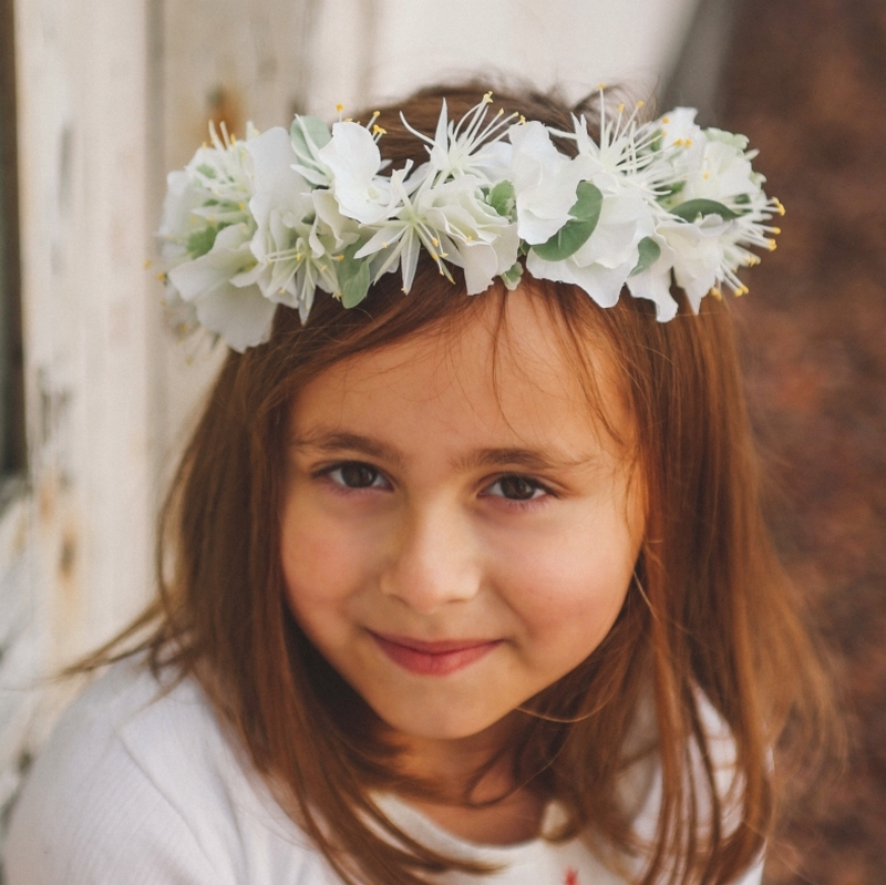 couronne de fleurs blanche pour petite fille en c r monie colette bloom. Black Bedroom Furniture Sets. Home Design Ideas