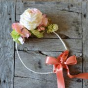 couronne fleur pêche orangé cérémonie ruban corail