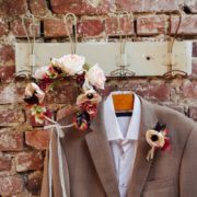 fleurs cheveux mariée romantique vintage rose prune poudré printanier