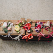 ruban couronne enfant fuchsia fleur cérémonie cortège