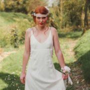 bijou de tête dentelle romantique et vintage ton pastel rose clair