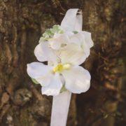accessoire de tête mariée bandeau headband ruban blanc orchidée mariage romantique élégant chic printanier wedding flower Colette Bloom bandeau Mademoiselle Aurelia