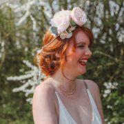 couronne fleur rose pastel cérémonie ruban dentelle rose de jardin