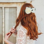 peigne de fleur coiffure renoncule anemone mariage blanc Colette Bloom simplicité