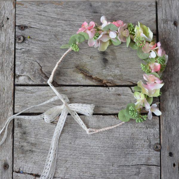 Couronne de fleurs rose poudré mariage coiffure accessoire